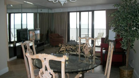 Sandestin Golf and Beach Resort:                   living room