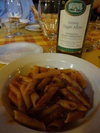 Fattoria Poggio Alloro: Pasta in meat sauce