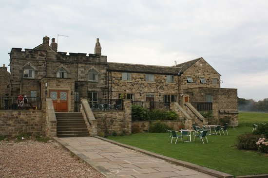The Norfolk Arms Hotel And Restaurant