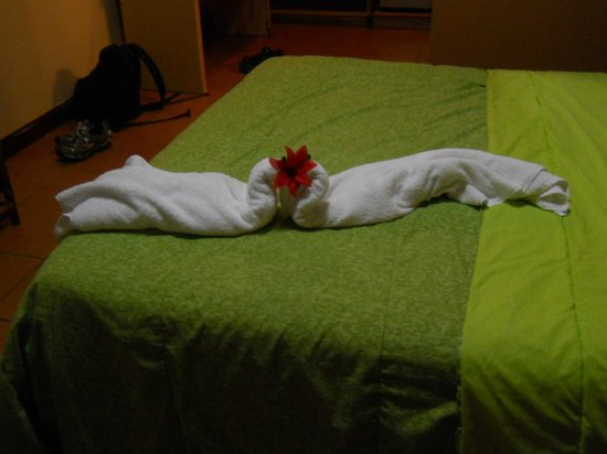 Hotel Lavas del Arenal:                                     fun surprise to see how the towels were folded each day