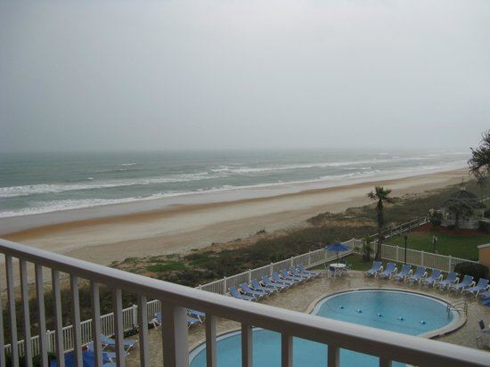 Coral Sands Inn & Seaside Cottages Ormond Beach:                                     view from our room