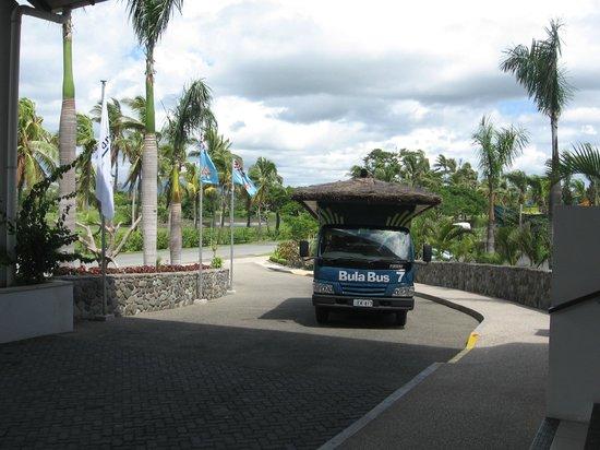 Raffles Gateway Hotel:                                     Bula Bus