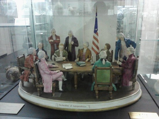 Everson Museum of Art: Declaration of Independence in ceramic form