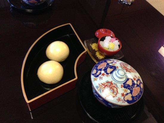 Yamamoto-kan:                                                       手作り饅頭