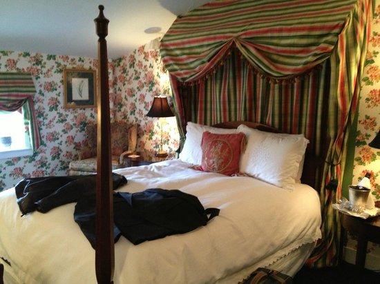 Antrim 1844:                   Brandon room/queen size bed.