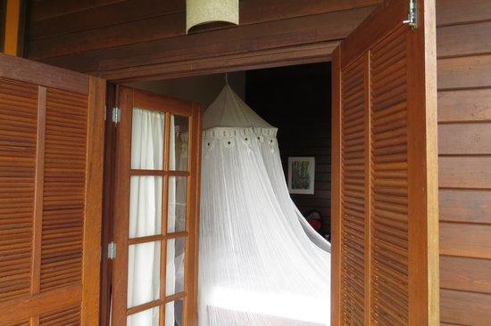 Pousada Tagomago Beach Lodge:                   la habitacion desde el balcon