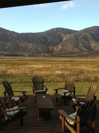 موزايك برايفت سانكتشوري:                   One of the views from the lodge. So peaceful.                 