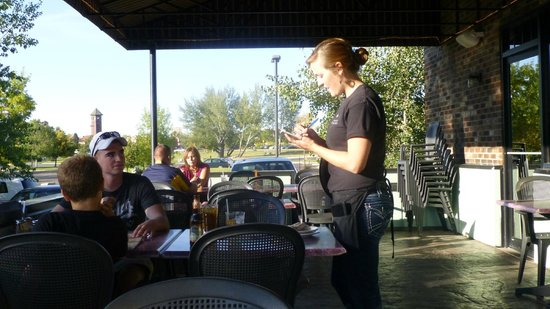 MacKenzie River Pizza Co.: Outdoor service