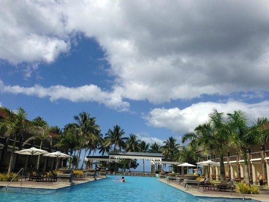 Sheridan Beach Resort and Spa:                   с бассейна