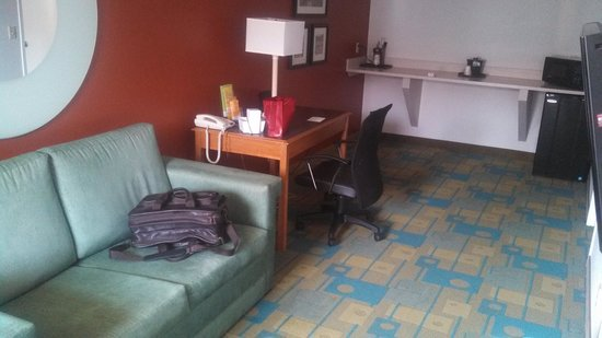 La Quinta Inn Chattanooga / Hamilton Place: The Living Area