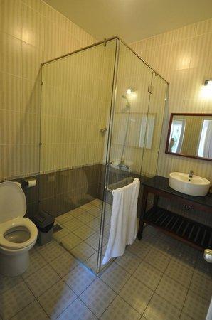 Xin Chao Hotel : Bathroom