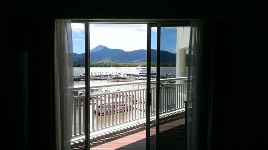Shangri-La Hotel, The Marina, Cairns: Marina outside