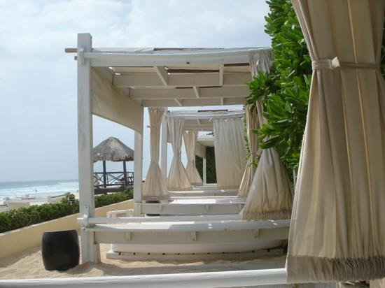 Live Aqua Beach Resort Cancun:                   Terrace Cabanas at Live Aqua