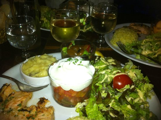 Le Loup Blanc:                   A nice variety on the plate
