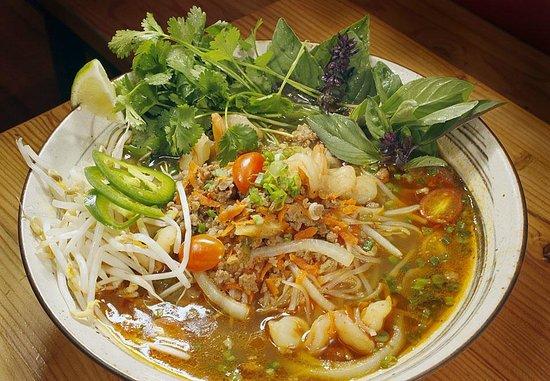 Rice Monkeys: Saigon Noodles!