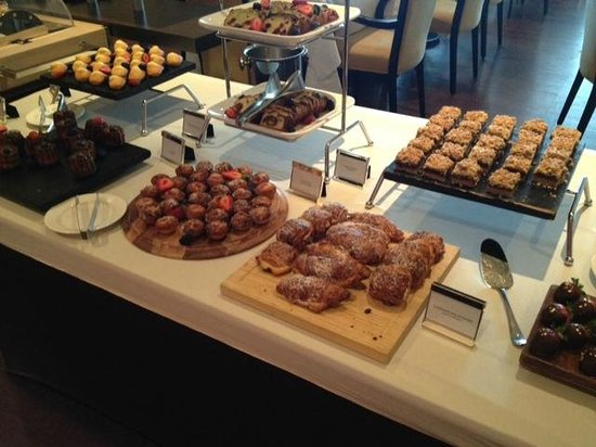 Sofitel Montreal Golden Mile: Dessert selection - Sunday brunch