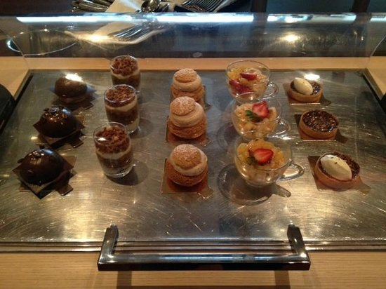 Sofitel Montreal Golden Mile: More desserts - Sunday brunch