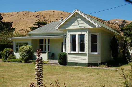 Marlborough Region, Selandia Baru:                                     First night accommodation, Cape Campbell Track