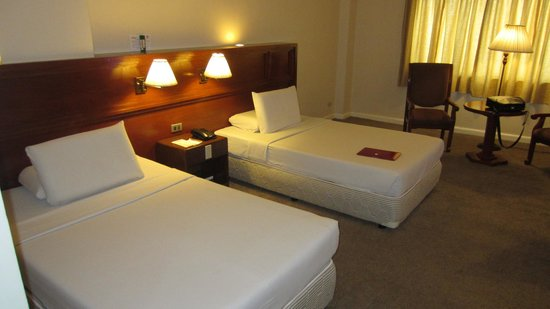 Grand Menseng Hotel:                   room beds