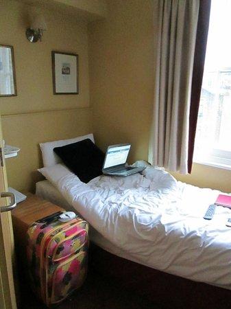 Rose Park Hotel:                   room