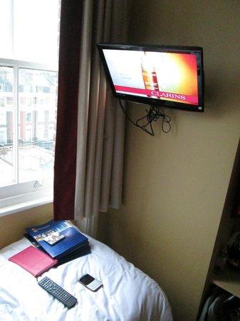 Rose Park Hotel:                   rooom