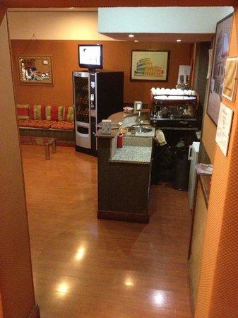 Hotel Aquarium:                   cafe3