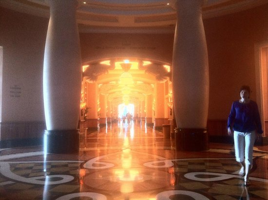 Atlantis, The Palm: Lobby