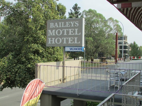 Baileys Motel:                   The Bailey's Motel Hotel Signage