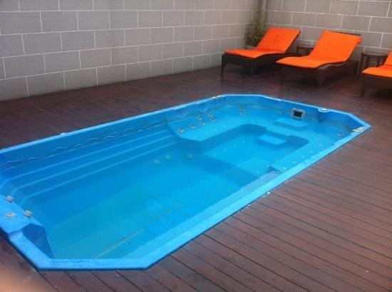 FX Hotel Metrolink Makkasan:                   Rooftop Pool