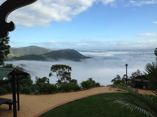 Eaglereach Wilderness Resort:                   In the morning we were above the clouds.