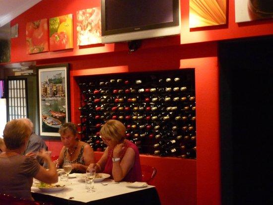 Baileys Motel:                   Dinners in the Motel Restaurant - Cafe BellaVista