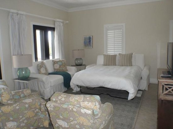 Fowl Cay Resort:                   Spare bedroom in the den (pull out bed)