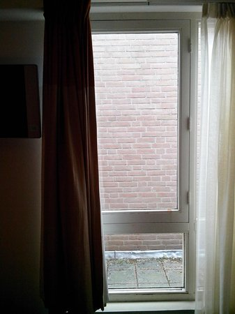 Hampshire Hotel - Eden Amsterdam:                   View from room 512 - Vistas hab 512