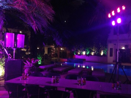 Baan Souy Resort:                   At night pool