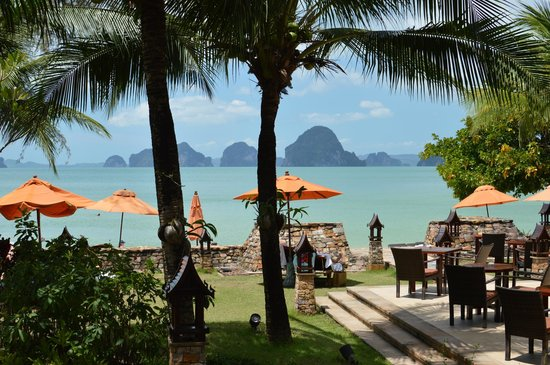 Amari Vogue Krabi:                   Sea view from the main pool