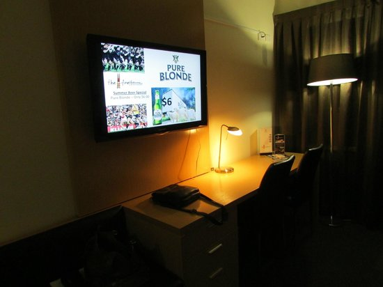 Country Comfort Inter City Hotel:                   Big LCD TV in guest room