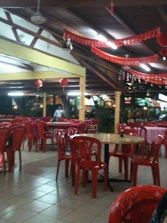 Weng Yin Seafood Village:                   restaurant