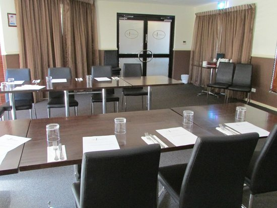 Country Comfort Inter City Hotel:                   The Board Room Set Up