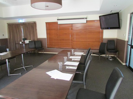 Country Comfort Inter City Hotel:                   Inside the Conference Room