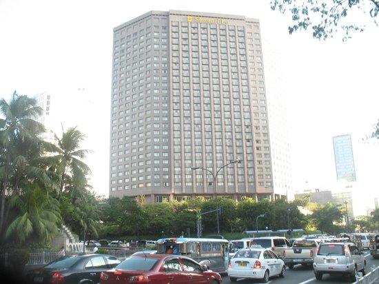 Makati Shangri-La Manila:                   Shangri La Hotel exterior