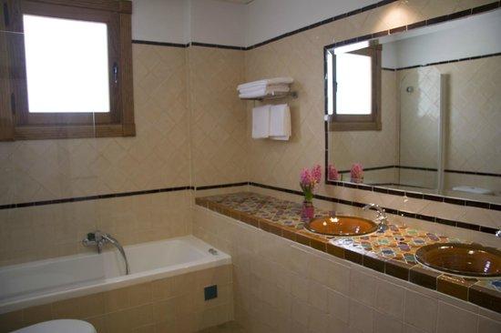 Hotel Estrella de las Nieves: Baño Suite Junior con bañera hidromasaje