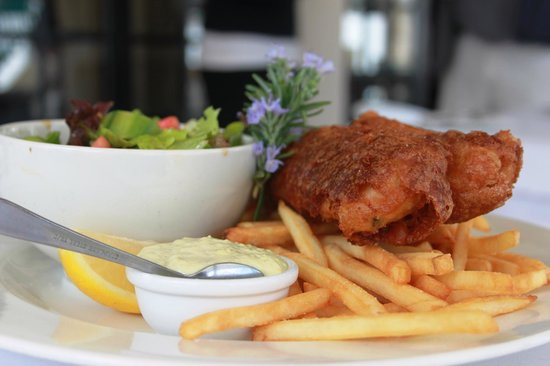 Scotty's Restaurant & Bar: Our famous beer battered hake and chips