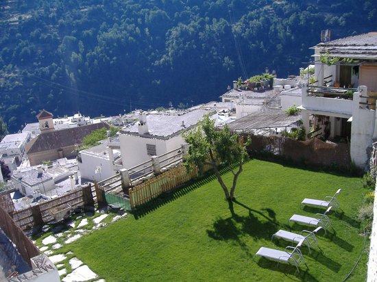 Hotel Estrella de las Nieves: vistas desde el jardín