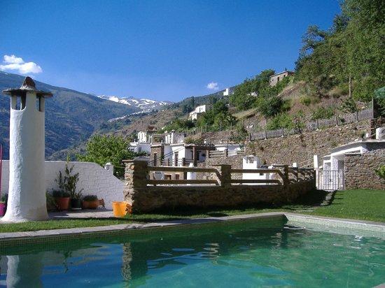Hotel Estrella de las Nieves: Vistas desde la piscina