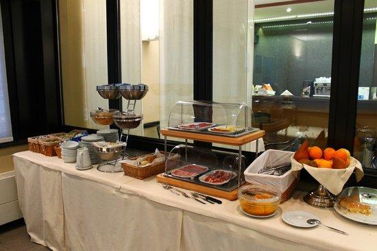 Hotel Griselda: Il tavolo della Colazione