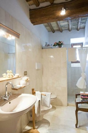 Agriturismo Poggetto: La Pergola bathroom