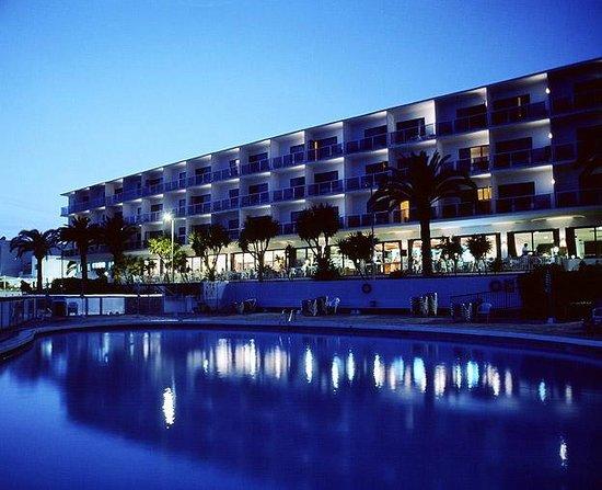 Simbad Hotel : Vista nocturna hotel