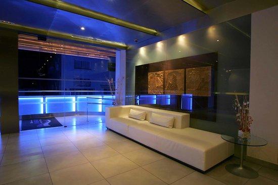 심바드 호텔