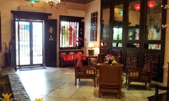 Courtyard @ Heeren Boutique Hotel :                                     Hotel Lobby