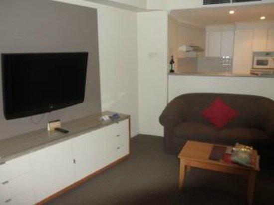 Radisson Hotel And Suites Sydney :                                     living room